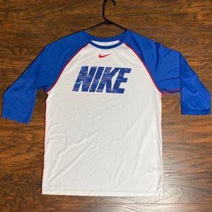 Nike 3/4 sleeve shirt